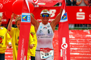Yvonne Van Vlerken: the fastest woman in the world on the long-distance at Challenge Rimini