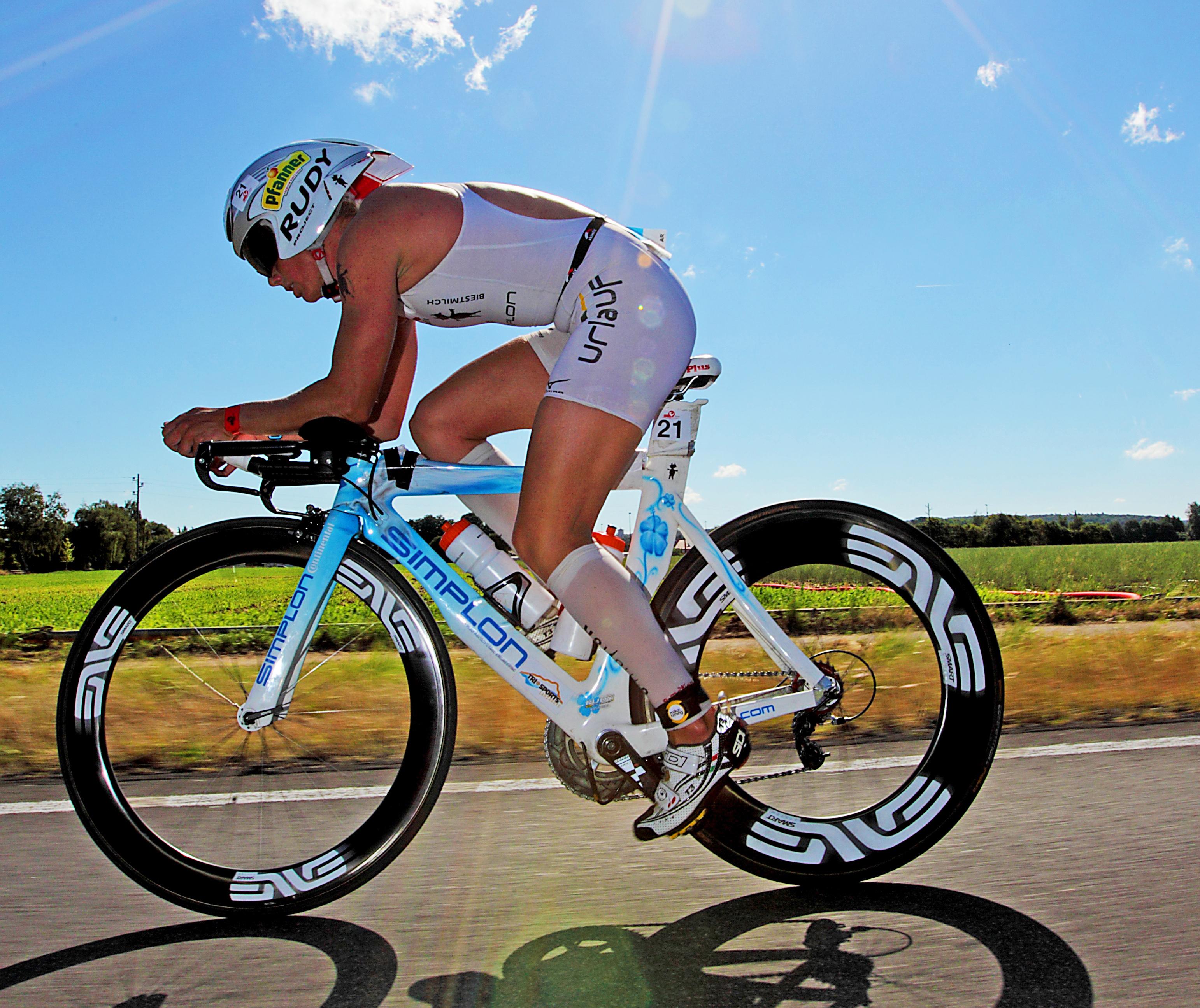 Yvonne van Vlerken fights to podium in Kraichgau with sensational bike-performance.