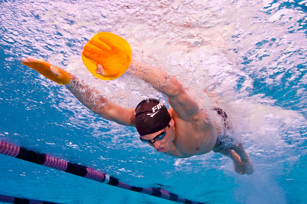 MATERIAL: FINIS, everything to increase your level in swimming !