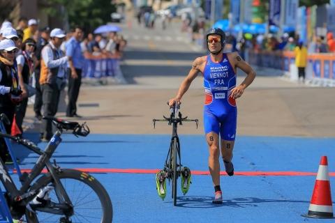 Viennot & Ellis secure first Long Distance titles