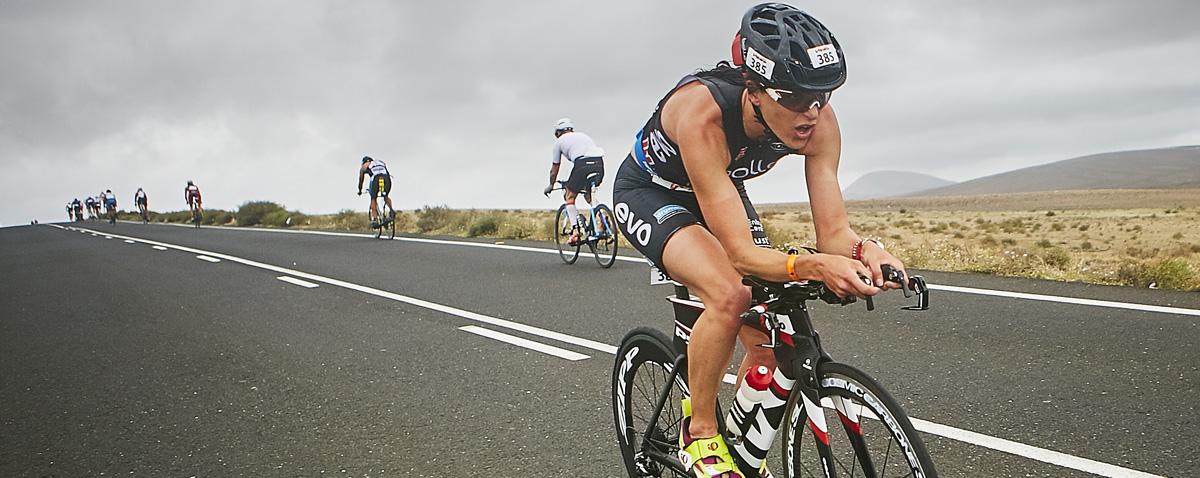 Kenneth Vandendriessche and Alice Hector triumph in the Club La Santa Volcano Triathlon