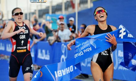 Hewitt wins WTS season opener in epic sprint finish