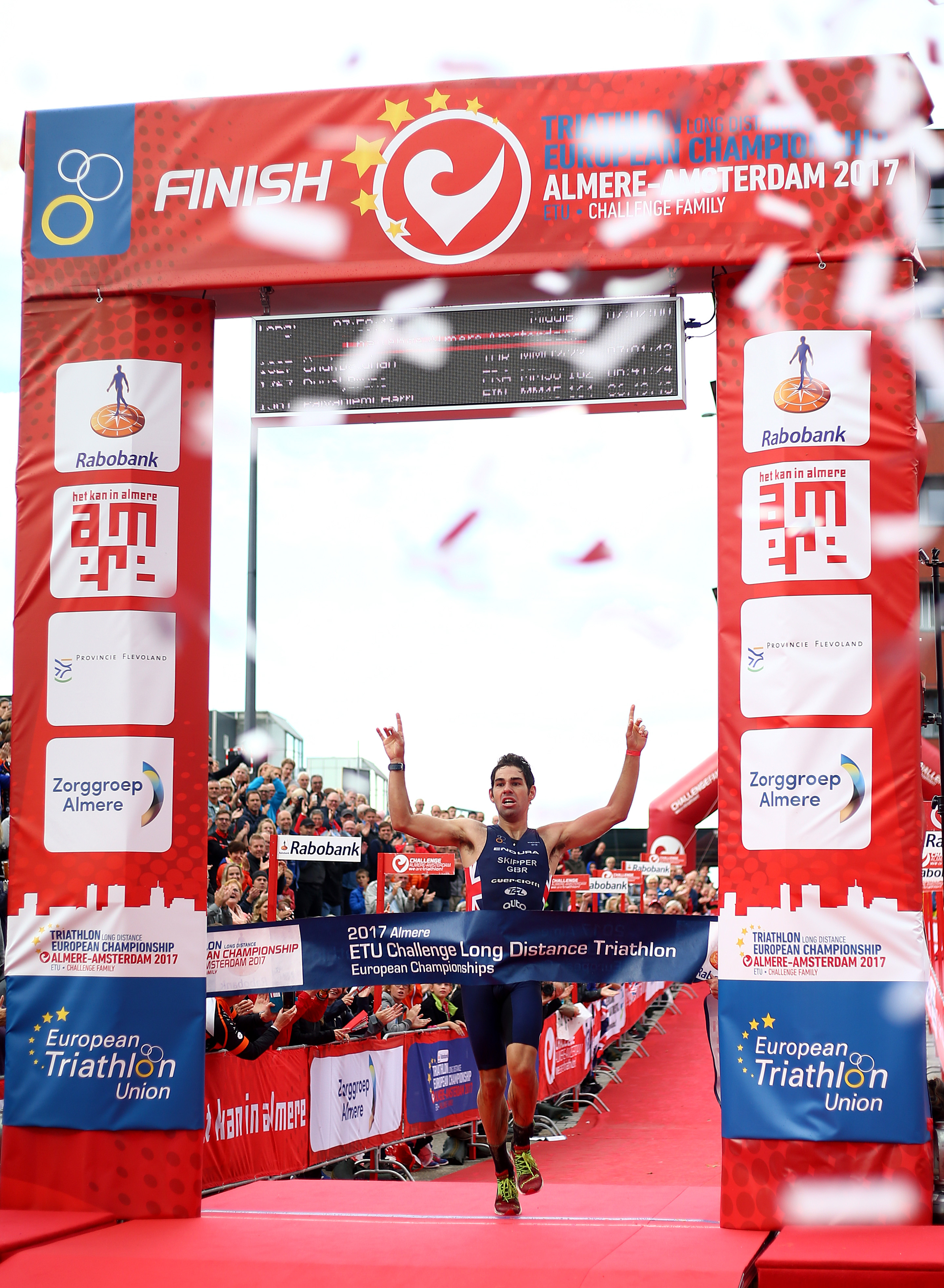 ALMERE, NETHERLANDS - SEPTEMBER 08: Joe Skipper of Great Britain celebrates as he wins the means race during Challenge Almere-Amsterdam on September 8, 2017 in Almere, Netherlands. (Photo by Charlie Crowhurst/Getty Images)